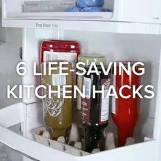The 6 Best Kitchen Hacks Here's 6 kitchen hacks that will make your life so much easier 😱! Kitchen Organisation, Diy Organization, Organizing Ideas, Simple Life Hacks, Useful Life Hacks, Hacks Diy, Home Hacks, Cleaning Solutions, Cleaning Hacks