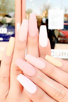 Matte Peach Nails Design ★ Easy, cute and fun summer nail designs are waiting for you to get inspired with. Make sure that you greet the beach season right! Matte Pink Nails, Coffin Nails Matte, Peach Nails, Acrylic Nails Coffin Short, Summer Acrylic Nails, Best Acrylic Nails, Gel Nails, Summer Nails, Pastel Nails
