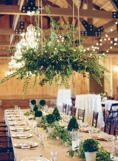 Natural green table decor