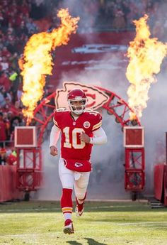 Kansas City Chiefs quarterback Chase Daniel was introduced with the  starting offensive players in NFL action against the San Diego Chargers on  December 2014 ... 12c12fd214e