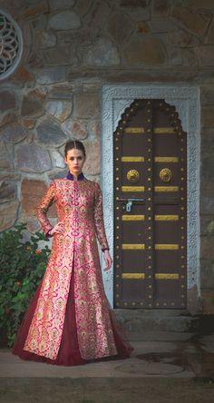 Looking for Jacket lehenga? Browse of latest bridal photos, lehenga & jewelry designs, decor ideas, etc. Jacket Lehenga, Brocade Lehenga, Brocade Dresses, Anarkali, Lehenga Top, Banarasi Lehenga, Sabyasachi, Sharara, Churidar