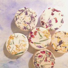 プチギフトにぴったり*「ネロリドール」のお花のバスフィズが美しい♡にて紹介している画像