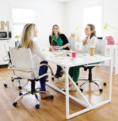 10 Ways to Dazzle at a Meeting - an excerpt from I Shouldn't Be Telling You This on The Everygirl!