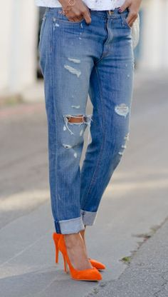 Boyfriend Jeans & Orange Pumps ♥