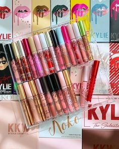 what's your all-time favorite limited edition Kylie collection? Kylie Jenner Lipstick Mac, Kylie Makeup, Dupes Nyx, Makeup Cosmetics, Mac Velvet Teddy, Kylie Jenner Makeup Collection, Kylie Collection, Mac Brave, Victoria Secret Body Spray