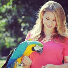 Bindi Irwin @bindisueirwin | Websta this is a great photo, soo pretty!