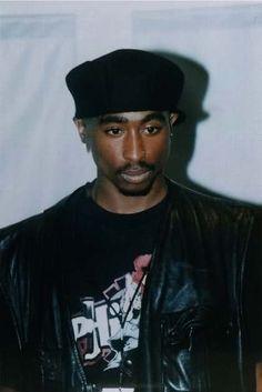 Beautifully brown and Black. 90s Hip Hop, Hip Hop And R&b, Hip Hop Rap, 2pac, Tupac Shakur, Tupac Photos, Tupac Pictures, Las Vegas Valley, Tupac Makaveli