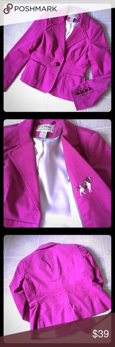 L.L. Bean purple velveteen blazer dog hunting 6 P Deep magenta classic hacking jacket with hunting dog motif. Size 6 petite. Fits TTS. Like new condition. L.L. Bean Jackets & Coats Blazers