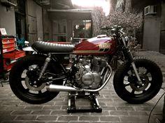 Inazuma café racer: XS400 by Herencia Custom Garage