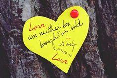 Kurze Liebessprüche: Kurz und prägnant , garantiert den richtigen Liebesspruch für deinen Schatz . Für SMS, WhatsApp oder E-Mail