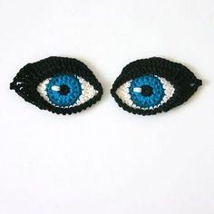 Crochet Eyes PATTERN applique / motif for dolls, amigurumi or to decorate iPad cover - ORIGINAL DESIGN by TheCurioCraftsRoom: