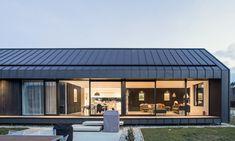 Villa Noir by Dravitzki Brown Architecture Roof Cladding, House Cladding, Cladding Systems, Metal Cladding, Wall Cladding, Cabin Design, Roof Design, Exterior Design, House Design