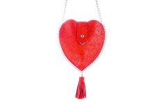 Handgefertigte Trachtentasche in Herzform von Cassinel