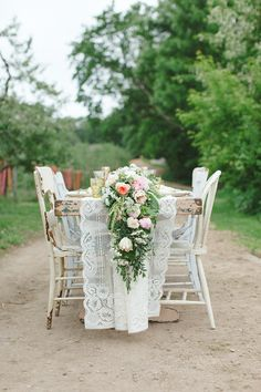 Such a sick floral table runner by Studio Fleurette.  www.whitneyfurst.com | Wedding and Lifestyle Photographer