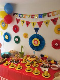 Fiesta cumpleaños Jorge el curioso Birthday Themes For Boys, Baby Boy 1st Birthday, Birthday Party Tables, Birthday Cake Smash, Birthday Ideas, Curious George Party, Curious George Birthday, Balloon Decorations, Birthday Decorations