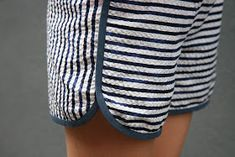 Tessuti Fabrics Pattern Review - City Gym Shorts in Japanese stripe cotton seersucker #citygymshorts @purlsoho
