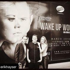 Asi vestimos las calles de la Ciudad de México a dias de nuestro estreno ! Larga vida a @wakeupwomanmx y nada mas maravilloso q compartirlo con ustedes @erikhayser @jorge.acebo @ale_ballina