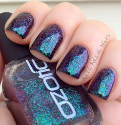 This Glitter! Ozotic 528 over black Beautiful Nail Art, Gorgeous Nails, Love Nails, Pretty Nails, My Nails, Garra, Creative Nail Designs, Creative Nails, Red Carpet Manicure