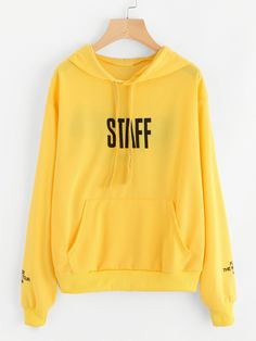 Sweat-shirt à inscriptions Hoodie Sweatshirts, Sweater Hoodie, Hoodies, Sweat Shirt, Outfits For Teens, Cute Outfits, Mode Grunge, Vetement Fashion, Long Sleeve Tops
