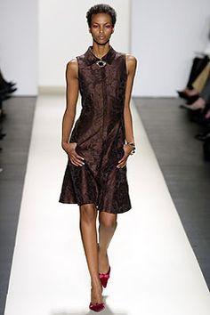 Oscar de la Renta Fall 2003 Ready-to-Wear Fashion Show: Complete Collection - Style.com