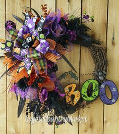 Halloween Trick or Treat Grapevine Mesh by CoyoteCountryMarket Halloween Trick Or Treat, Halloween Boo, Halloween Coloring, Halloween Crafts, Holiday Crafts, Halloween Ideas, Happy Halloween, Halloween Front Door Decorations, Halloween Front Doors