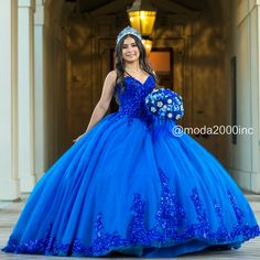 Book you appointment to say yes to your dream dress at Moda2000 👑Instagram: @moda2000inc (714)774-7537 Sweet 16 Dresses, 15 Dresses, Ball Dresses, Ball Gowns, Formal Dresses, Quince Dresses Mexican, Mexican Quinceanera Dresses, Royal Blue Dresses, Royal Blue Ballgown