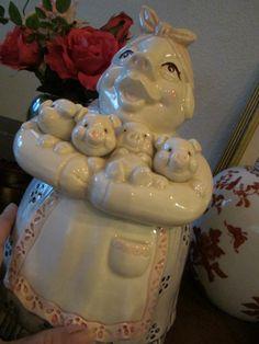 Vintage Cookie Jar ~ Mama & her little piglets