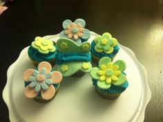 Fun cupcakes with fondant
