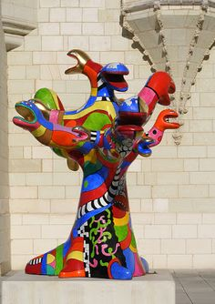 Mine d'Art: HOMMAGE À UN ARTISTE : NIKI DE SAINT-PHALLE Jean Tinguely, Modern Art, Contemporary Art, Collaborative Art Projects, Art Sculpture, Greek Art, Land Art, Ceramic Artists, Art Plastique