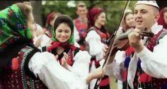 BACK TO MARAMU'. Vasilică Ceteraşu şi-a lansat primul videoclip. Invitat, Patrick Specialul din Certeze Folk Clothing, Traditional Outfits, Scarves, Culture, Embroidery, World, Life, Inspiration, Clothes
