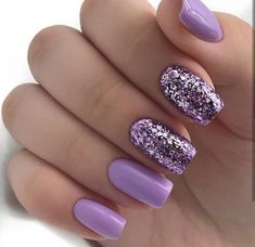 False nails have the advantage of offering a manicure worthy of the most advanced backstage and to hold longer than a simple nail polish. The problem is how to remove them without damaging your nails. Square Nail Designs, Best Nail Art Designs, Glitter Nail Designs, Summer Nail Designs, Popular Nail Designs, Purple Nail Designs, Fancy Nails, Trendy Nails, Purple Glitter Nails