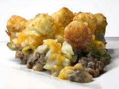 Easy Tater Tot Casserole - Kitchen Fun With My 3 Sons Best Tater Tot Casserole, Casserole Kitchen, Easy Casserole Dishes, Hamburger Tator Tot Casserole, Tater Tots, Beef Recipes, Cooking Recipes, Yummy Recipes, Recipies
