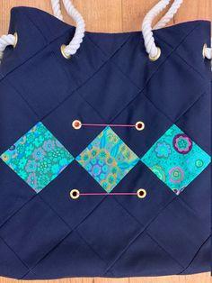 Bleu Rose, Bleu Marine, Etsy, Design, Scrappy Quilts, Unique Bags, Novelty Bags, Blue Fabric, Color Blue