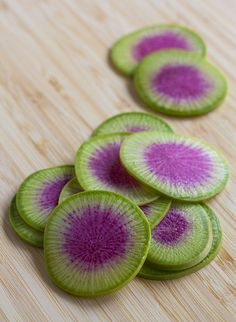 Watermelon radish - what a color combo! Would be pretty on a fruit platter. Fruit And Veg, Fruits And Vegetables, Fresh Fruit, Purple Food, Green And Purple, Purple Haze, Watermelon Radish, Exotic Fruit, All Things Purple