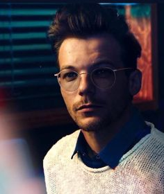 Louis Tomlinson, he is so perfect