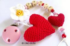 Schnullerketten - Schnullerkette mit Herzen und Margariteblume - ein Designerstück von ENO-BUBI bei DaWanda