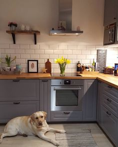 I wish you a good and peaceful night, always smiling (and eternally . Ikea Kitchen, Home Decor Kitchen, Kitchen Flooring, Rustic Kitchen, Interior Design Kitchen, Country Kitchen, Home Kitchens, Küchen Design, House Design
