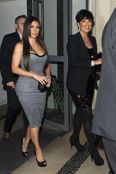Kris Jenner Photo - Kim Kardashian at Aqua Restaurant in London