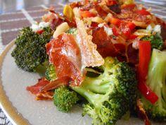 Salata calda cu broccoli si jambon afumat
