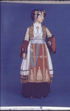 1 Tribal Costume, Folk Costume, Greece Costume, Folk Embroidery, In Ancient Times, Character Design Inspiration, Historical Clothing, Fabric Art, Dance Costumes