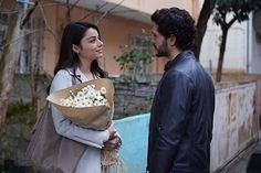 Ayça Aysin Turan and Alperen Duymaz in Zemheri (2020) Movie Couples, Cute Couples, Twitter Header Pictures, Madison Beer Outfits, Mecca Wallpaper, Istanbul City, Man Of The House, Beautiful Moon, Turkish Beauty