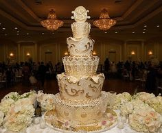 """Glorious """"Gold Moroccan"""" wedding cake adorned in magnificently detailed, lavishly styled grandeur. Crafted by Rosebud Cakes in Beverly Hills, California. Cream Wedding Cakes, Indian Wedding Cakes, Moroccan Wedding, Themed Wedding Cakes, Elegant Wedding Cakes, Wedding Cake Designs, Elegant Cakes, Cake Wedding, Wedding Cupcakes"""
