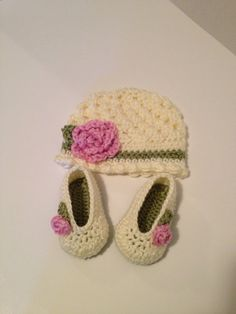 Crochet Baby Set Booties Hat 03 Months by SevenSkeins on Etsy