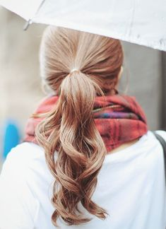Wavy ponytail//