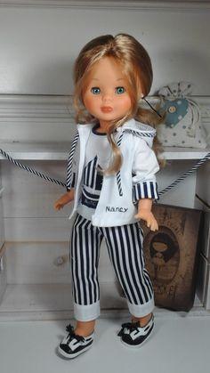 """Vestidos Para Nancy """"El Costurero De Chus"""": mayo 2016                                                                                                                                                      Más Ag Dolls, Blythe Dolls, Girl Dolls, American Girl Crafts, American Girl Clothes, Ag Doll Clothes, Doll Clothes Patterns, Vestidos Nancy, Nancy Doll"""