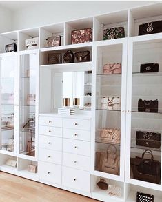 Custom Closets Greater New York This jaw-dropping bag closet was created for beauty influencer, Amra Olevic. The storage designed by California Closets New York designer , Allegra Pennisi entails a perfect boutique display and offers a ready-to-use option Walk In Closet Design, Bedroom Closet Design, Closet Designs, Bedroom Decor, 1920s Bedroom, Bedroom Wall, Bag Closet, Wardrobe Closet, Capsule Wardrobe