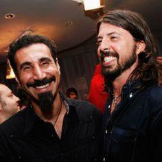 Serj Tankian e Dave Grohl.   SOAD x F.F