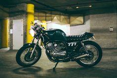 Yamaha SRV250 café racer 5