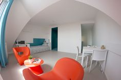 Vue d'ensemble d'un studio. Strasbourg, Deco, Studios, Vans, Europe, Home, Places, Garden Deco, Bedroom