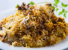 Kachche Gosht ki Biryani: Raw meat slow-cooked with the rice to produce a succulent, fragrant, layered delight. Rice Recipes, Indian Food Recipes, Asian Recipes, Ethnic Recipes, Arabic Recipes, Indian Foods, Indian Snacks, Briyani Recipe, Slow Cooker Recipes